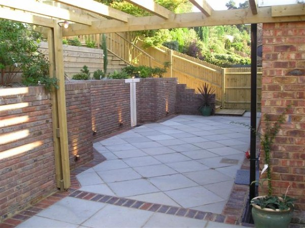 Steeply sloping rear garden in sevenoaks linden landscapes for Domestic garden ideas
